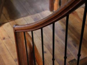 Ferme Rosane | Chambres d'hôtes Ariège Pyrénées - Détail escalier intérieur